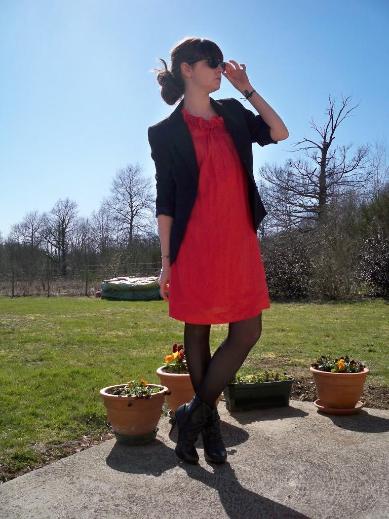 Robe rouge blazer noir