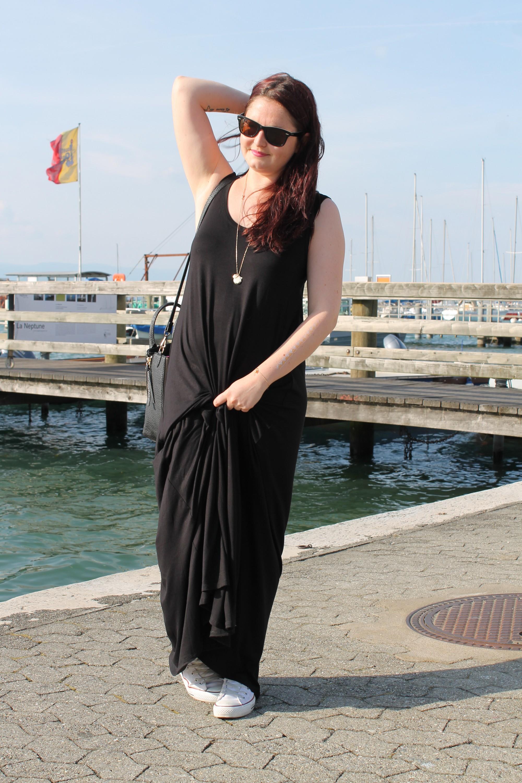 Initials CB - Une robe longue noire - Initials CB cb0881da452a