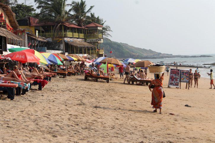 anjuna beach UNE
